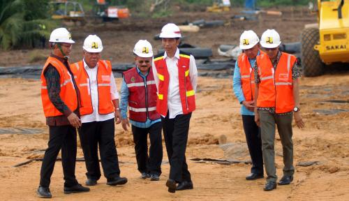 Foto Jokowi: Jembatan Holtekamp Titik Baru Ekonomi Papua