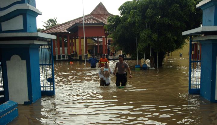 Foto Berita Demi Atasi Banjir Polisi Siapkan 7.000 Personel Gabungan