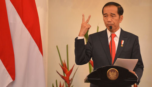 Foto Jokowi: Kepastian Hukum Kunci Demokrasi, Sindir Rizieq?