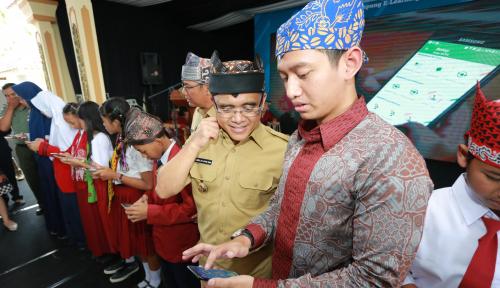 Foto Bupati Banyuwangi Dukung Metode Belajar Online Via Ruangguru