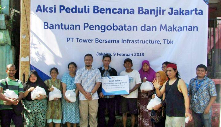 Foto Berita Tower Bersama Group Serahkan 150 Paket Bantuan Pangan untuk Korban Banjir