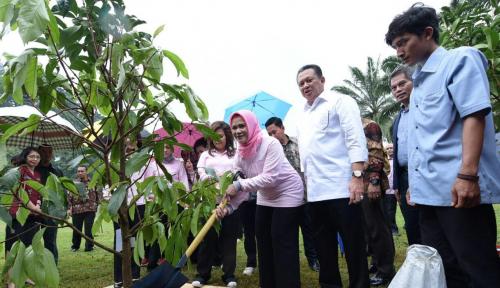 Foto PIA DPR Lakukan Baksos Layanan Kesehatan di Labuan Bajo