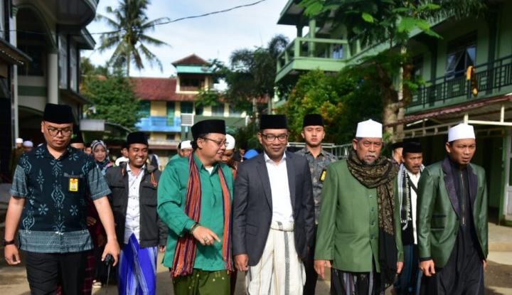 Foto Berita Ridwan Kamil Mulai Blusukan ke Pesantren