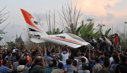 Foto Irwandi Pilih Mendarat Darurat Dibanding Lepas Parasut
