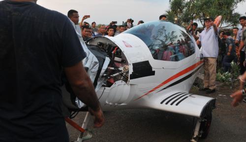 Foto Irwandi: Butuh Waktu Tiga Bulan untuk Perbaiki Pesawat