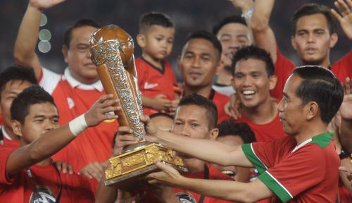 Foto Persija Banjir Penghargaan di Ajang Piala Presiden