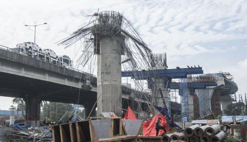 Foto Kecelakaan Konstruksi Tol Becakayu, DPR: Jangan Asal Ngebut