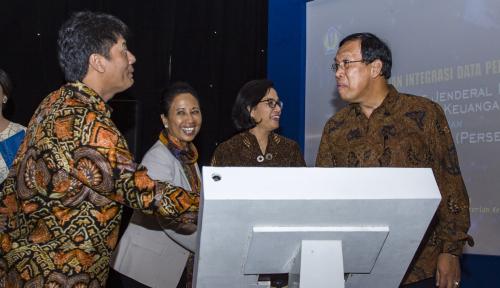 Foto Menteri Rini Dorong 30 BUMN Akan Ikuti Pertamina Terapkan Integrasi Data Perpajakan