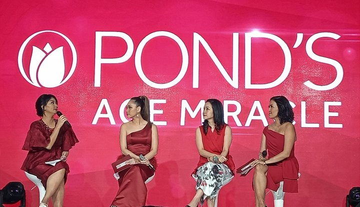 Foto Berita Satu Dekade, Pond's Age Miracle Kenalkan Tiga Brand Ambassador Baru