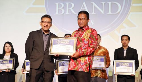 Foto IndiHome Bawa Penghargaan TOP Brand Award 2018
