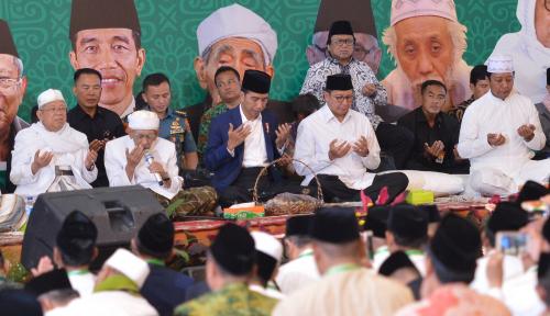 Foto Jokowi Buka Festival Sholawat Nusantara