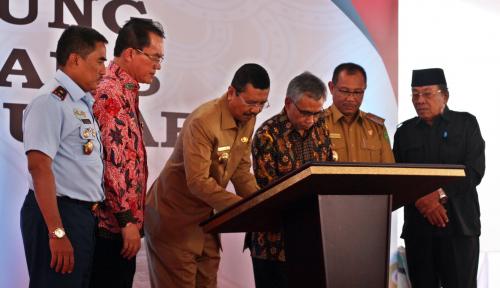 Foto Resmikan Kantor Baru, OJK Sumbagut Fokus Dongkrak Kinerja Industri Keuangan