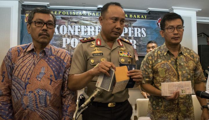 Foto Berita 12 Bukti Transfer Jebloskan Anggota Panwas Garut
