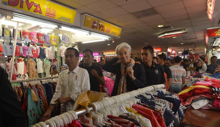 Foto Berita Jokowi Puji Sepatu Seharga Rp380 ribu