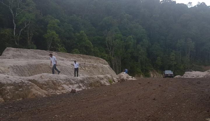 Foto Berita Jalan Trans Papua Barat 1.070 Km Tersambung