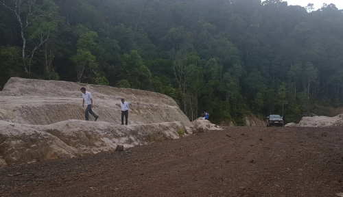 Foto Jalan Trans Papua Barat 1.070 Km Tersambung