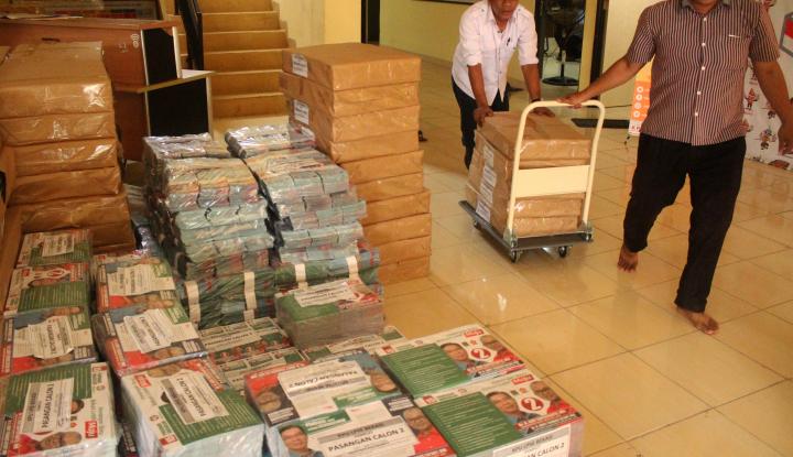 Foto Berita Pilgub Sulsel: KPU Sebar 21 Juta Lembar Bahan Kampanye