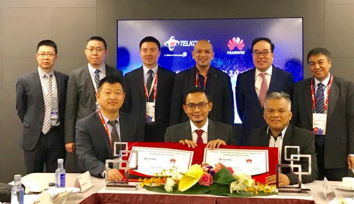 Foto Berita Telkomsel dan Huawei Luncurkan Solusi CloudAIR 2.0