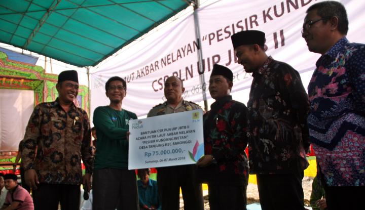 Foto Berita PLN UIP JBTB II Gelontorkan Rp75 Juta untuk Masyarakat Pesisir Pantai Sumenep