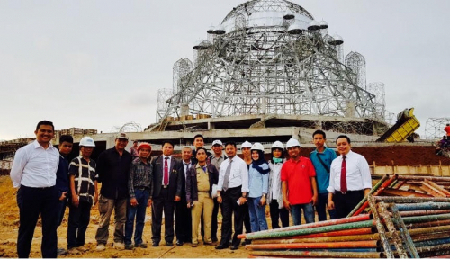 Foto Gubernur Sulsel Tinjau Pembangunan Masjid di Kawasan Reklamasi Makassar