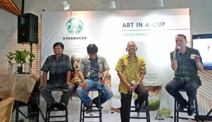 Foto Berita Berdayakan Petani Kopi, Starbucks Berinovasi Lewat 'Art in A Cup'