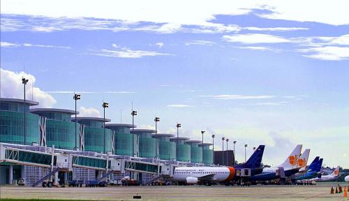 Foto Bandara Naha Sangihe Sepi Pemudik