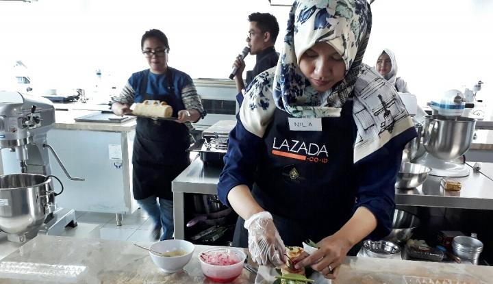 Foto Berita Pemenang Pertama Kontes Lazada Bakery Jalan-jalan ke Hong Kong