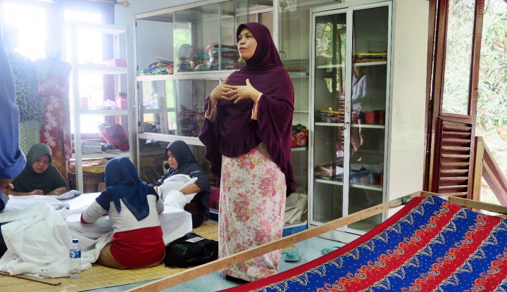 Foto Berita Belajar dari Nol, Produsen Batik Bono Raup Rp30 Juta/Bulan