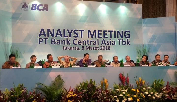 Foto Berita BCA Cetak Laba Bersih Rp23,3 Triliun di 2017