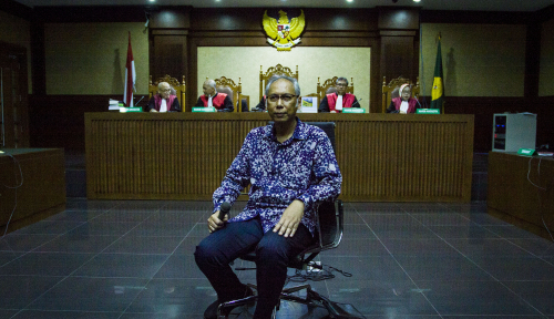 Foto Dr Bimanesh Bantah Luka di Kepala Novanto 'Segede Bakpao'