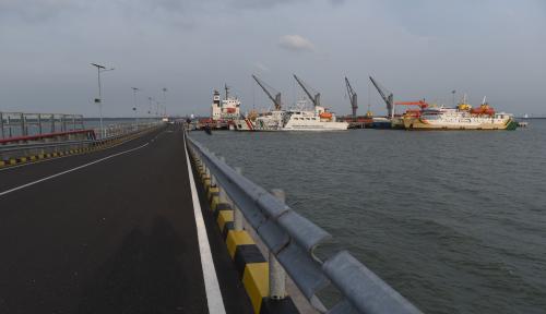 Foto Peresmian JIIPE Tingkatkan Kedatangan Kapal