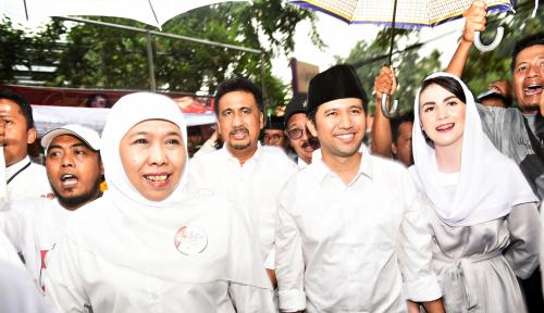 Foto Gubernur Jatim Yang Baru Jadi Tim Pemenangan Jokowi-Ma'ruf