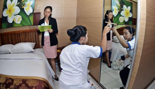 Foto Kasihan, Hotel Milik OSO Masih Menderita Rugi
