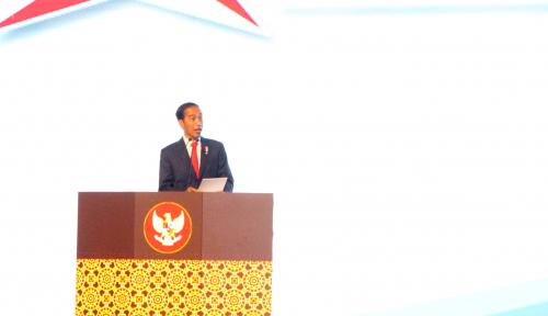 Foto Untuk Lawan Politik, Jokowi Minta Kritik Pakai Data