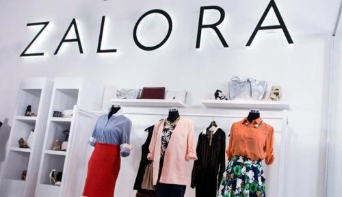 Foto Label Pakaian Asal Inggris Rilis Debut Online di ZALORA