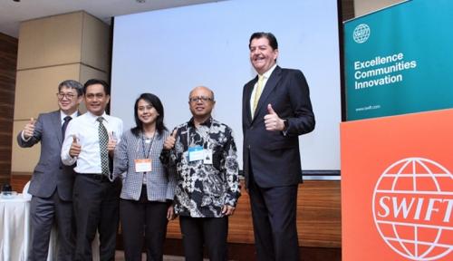 Foto 3 Bank Besar Adopsi SWIFT gpi dalam Pembayaran Lintas Negara