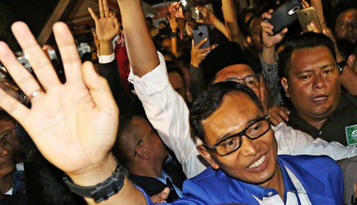 Foto Berita Hakim PTUN Tolak Gugatan, Perjuangan JR Saragih Mentok?