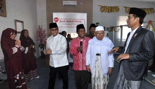 Foto Jokowi Ingin Tiap Ponpes Punya Bank Wakaf