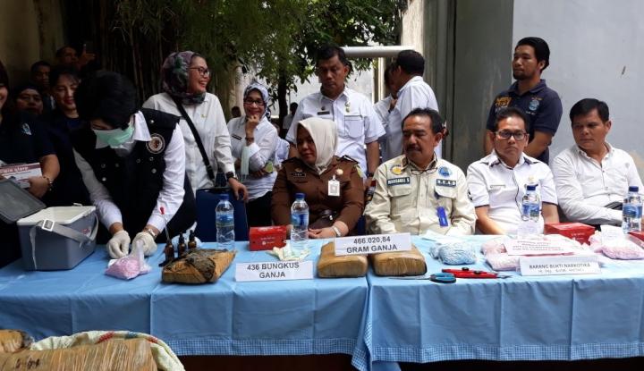 Foto Berita BNN Sumut Musnahkan 436 Bungkus Ganja