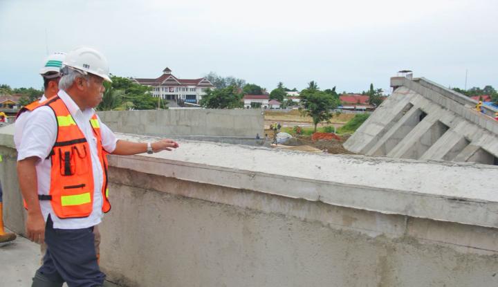 Foto Berita Menteri Basuki Kunjungi Lokasi Pembangunan Rusun Mahasiswa UMM