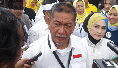 Foto Kasus Meikarta, KPK Periksa Deddy Mizwar
