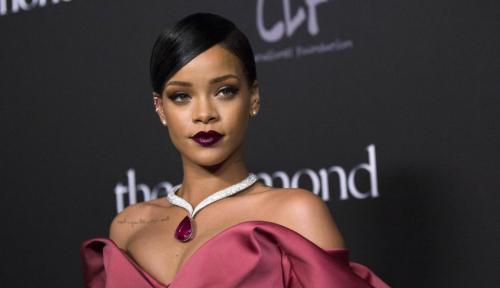 Foto Kena Teguran Rihanna, Saham Snapchat Langsung Anjlok