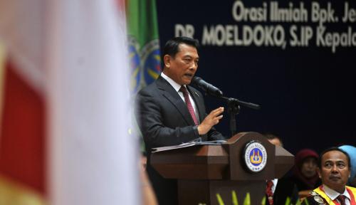 Foto Moeldoko Dinilai Lebih Aman Dampingi Jokowi? Ini Jawaban LSI
