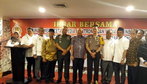 Foto Hindari Berita Hoax, Polrestabes Medan Gelar Ikrar Bersama Media