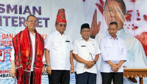Foto Menkominfo Resmikan Akses Internet Lintasarta di Sumbawa