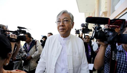 Foto Ini Sebab Presiden Myanmar Mengundurkan Diri