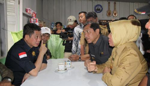 Foto Jonan Gratiskan Tagihan Listrik Korban Erupsi Gunung Sinabung