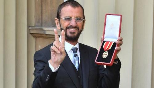 Foto Ringo Starr, Drummer The Beatles Dapat Gelar 'Sir'