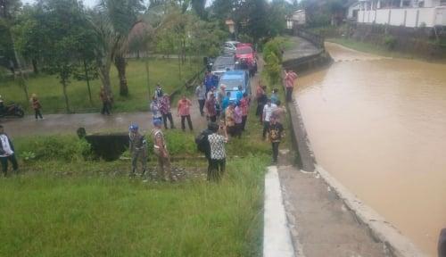 Foto Baru Jadi Plt Wali Kota Balikpapan, Rahmad Mas'ud Langsung Tinjau 9 Lokasi Banjir