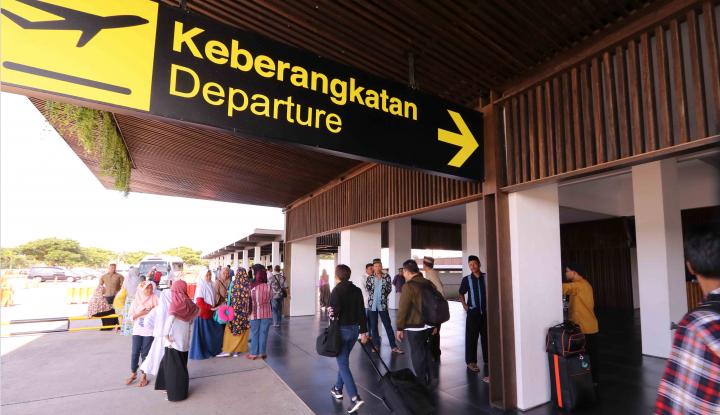 Foto Berita Terdampak Aktivitas Gunung Agung, Dua Bandara Jatim Ditutup